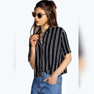 Boohoo striped short boxy cropped top navy 10